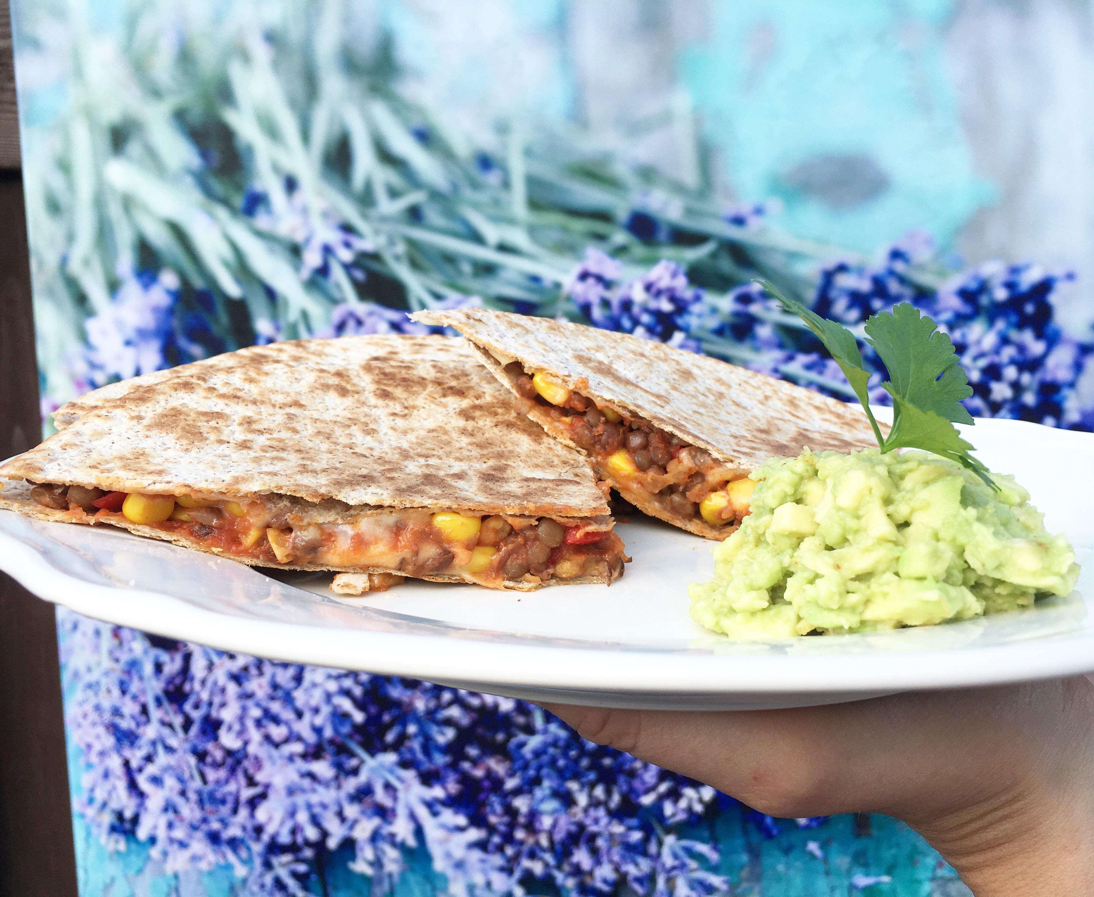 Recept | Vegetarische Quesadilla met linzen 'gehakt' (Mexicaanse tosti)